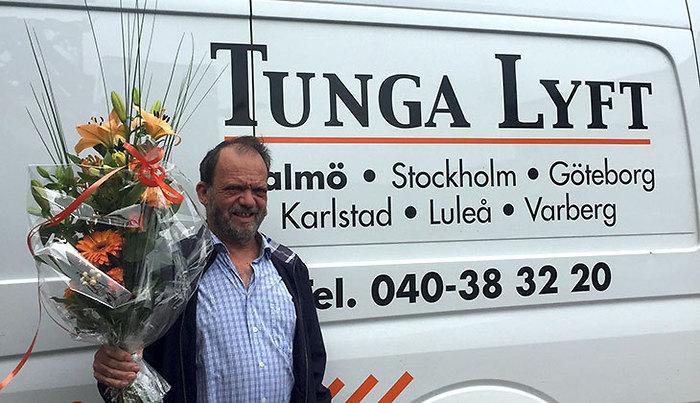tunga lyft firar vår medarbetare harry på födelsedagen