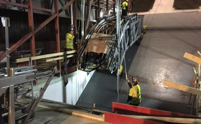 installerar rulltrappor på odenplan i stockholm
